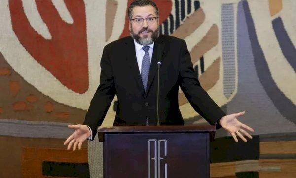 Ernesto Araujo, o aprendiz de feiticeiro.