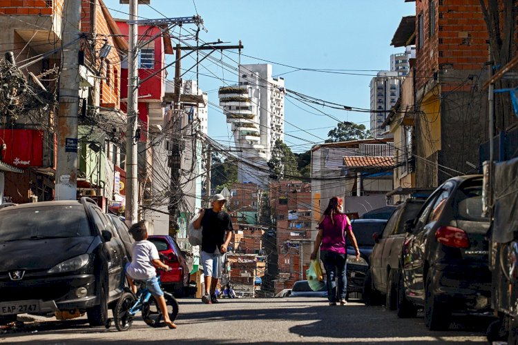 O PARADOXO DO PT - A politização inacabada da desigualdade no Brasil