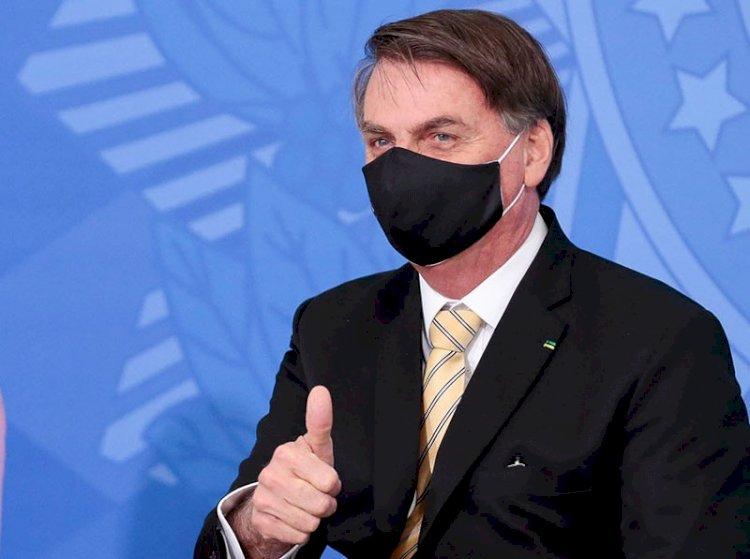 Bolsonaro não assina acordo de 132 países contra propagação de fake news durante a pandemia