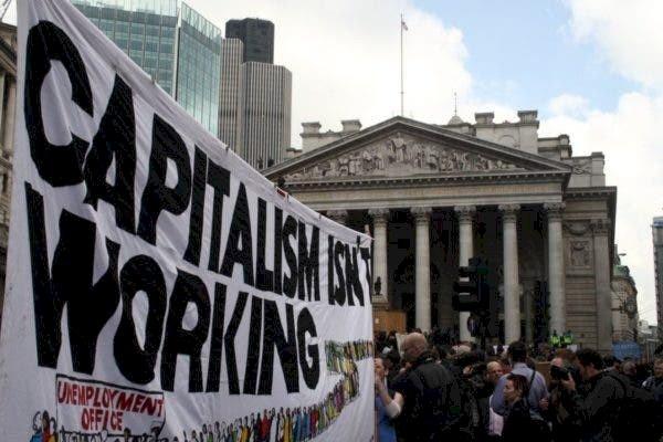 Capitalismo ou socialismo: qual o caminho a ser trilhado