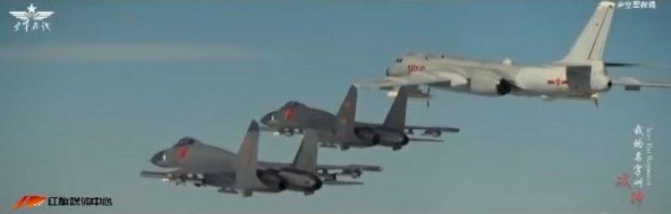 Un vídeo de la Fuerza Aérea china supuestamente simula un ataque a una base de EEUU
