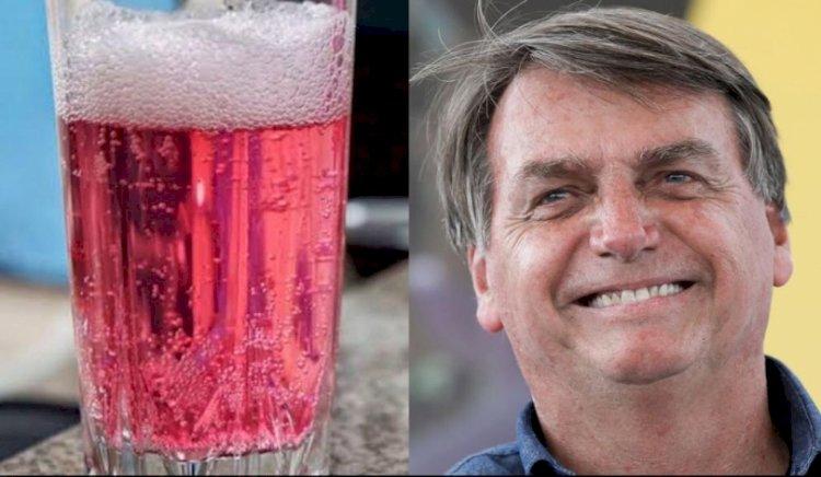 """""""Agora virei boiola igual maranhense, é isso?"""", diz Bolsonaro ao tomar refrigerante rosa"""
