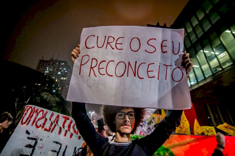 Juiz do DF que condenou MST e Via Campesina é o mesmo que autorizou a 'cura gay'