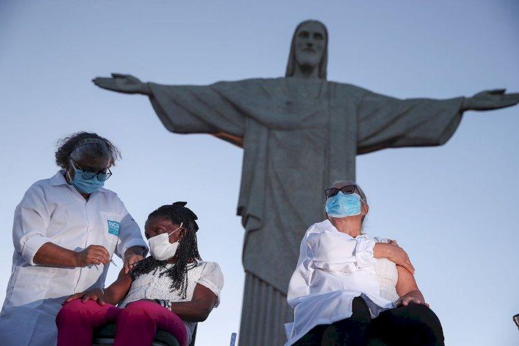 Brasil só tem vacinas para 4  por cento da população prioritária e enfrenta desafio múltiplo para ampliar estoque