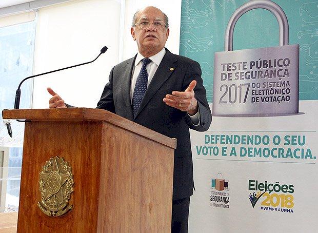 Não se combate crime cometendo crime, diz Gilmar Mendes