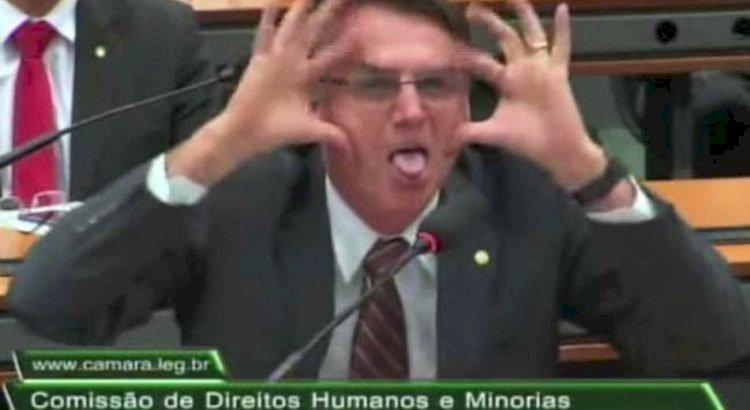 Bolsonaro é denunciado por tragédia humanitária na pandemia
