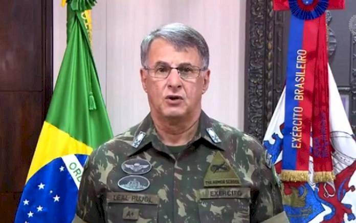 """Pujol diz que """"Pazuello se ferrou e ferrou o Exército"""" ao obedecer Bolsonaro, segundo coluna de O Globo"""