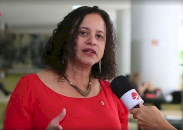 Luciana Santos rechaça declarações autoritárias de Eduardo Bolsonaro