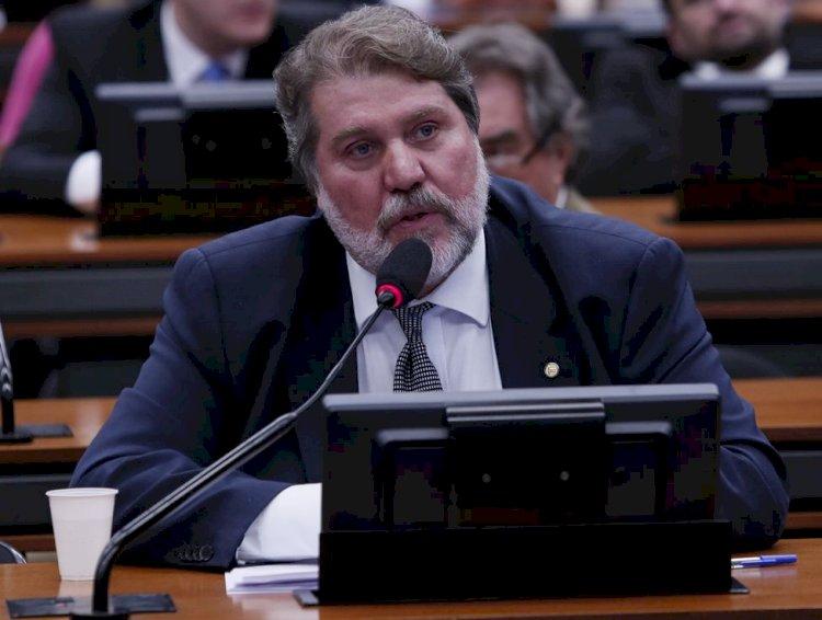 Renildo defende federações por serem mais consistentes e coligações para não desorganizar processo político
