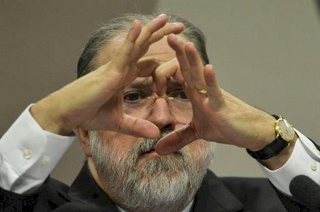 Por que a política e o Supremo preferem Augusto Aras na PGR?