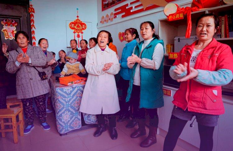 As mulheres sustentam metade do céu: como a China erradicou a pobreza extrema
