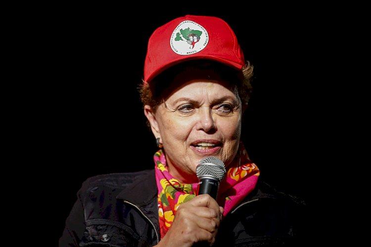 Ciro fala em conspiração de Lula por impeachment de Dilma, que o acusa de mentir